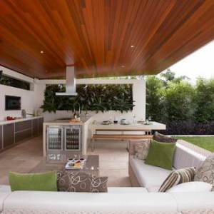 Undercounter Wine Refrigerator in Outdoor Kitchen